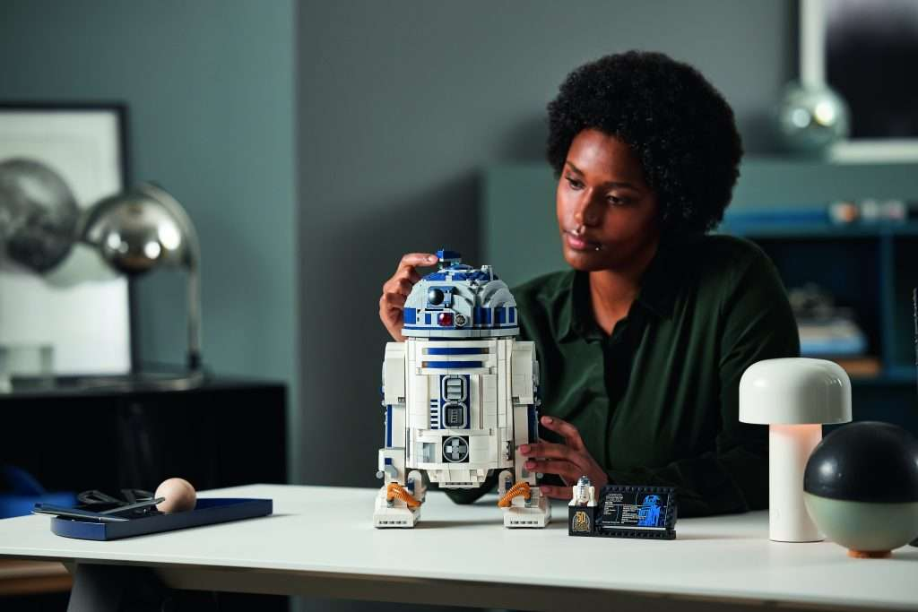 LEGO Star Wars buildable R2-D2